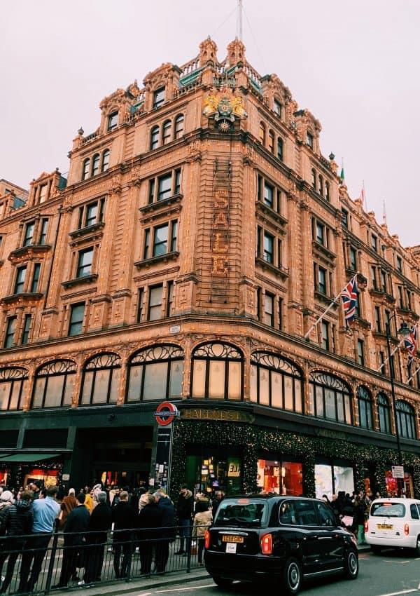 27 Effortless Ways to Save Money in London