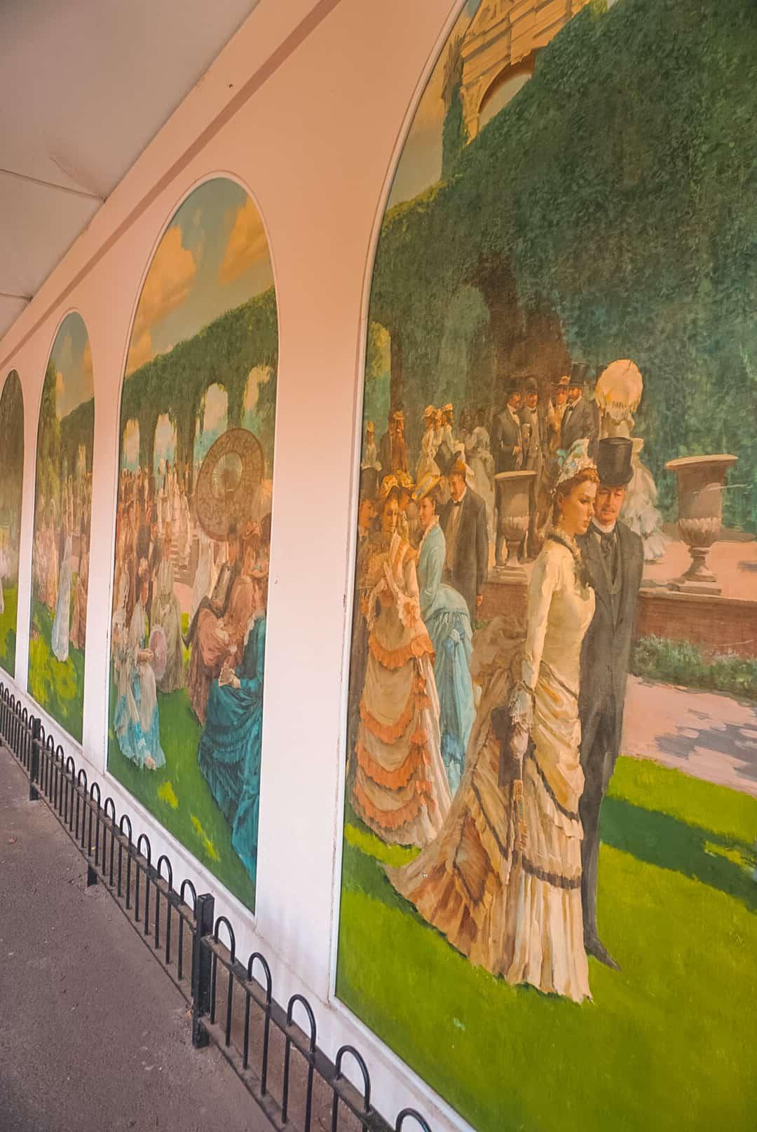 Art-Gallery-at-Holland-Park.