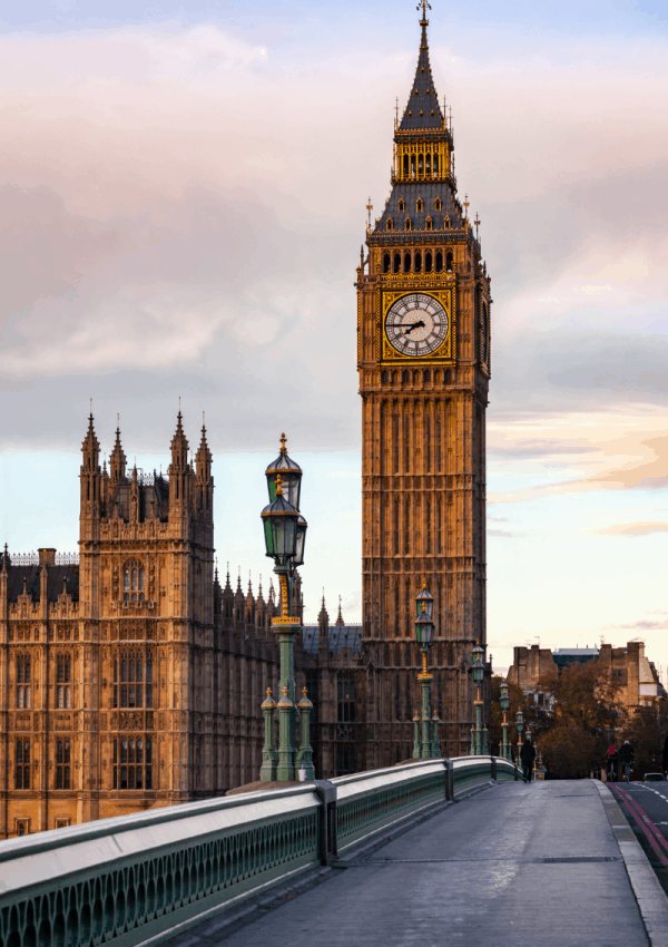 Solo in London: 25+ Amazing Things to do (Alone) in London