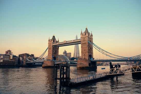 Tips for tourists in London: Don't confuse Tower Bridge for London Bridge. This is Tower Bridge.