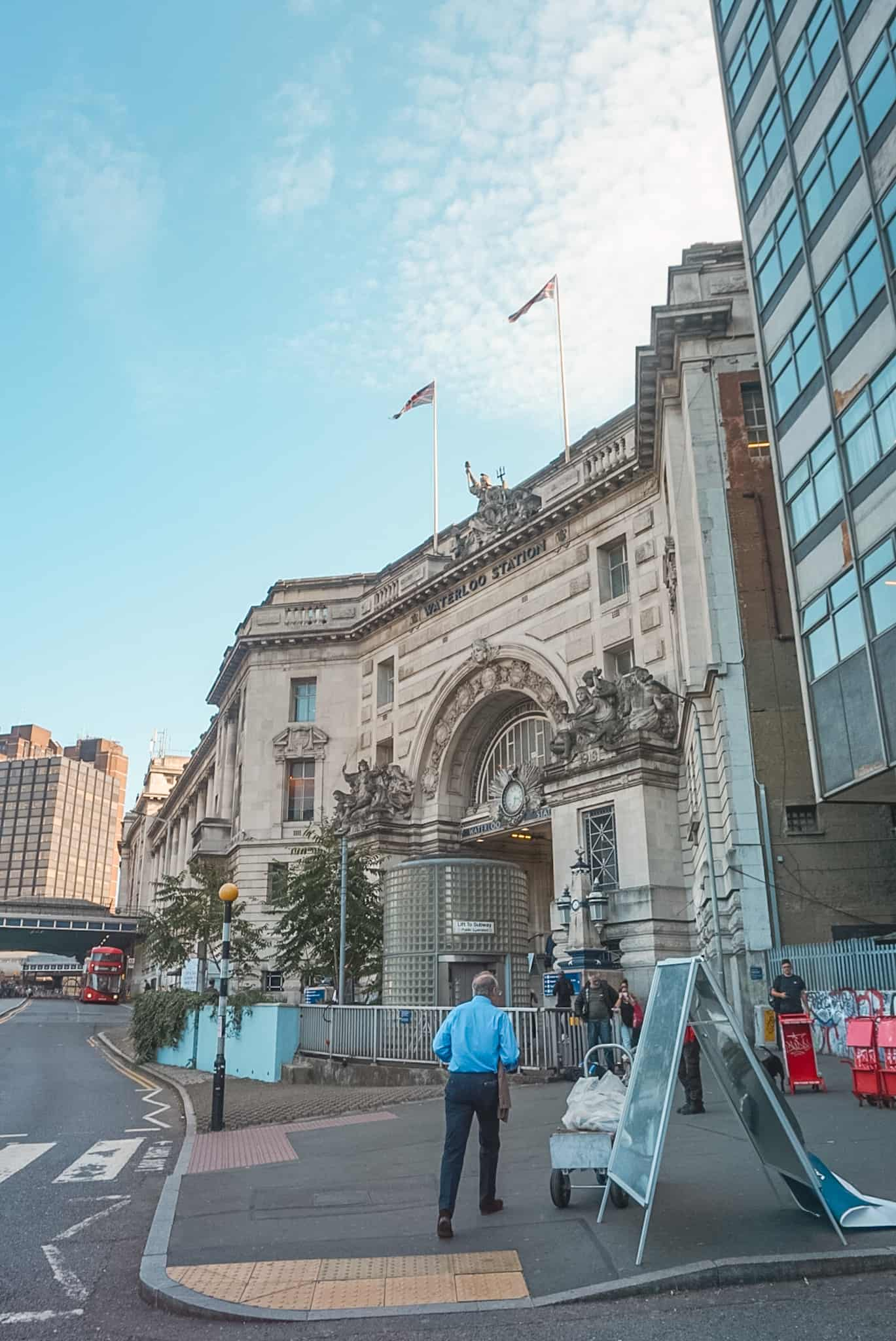 Waterloo Station: Starting Point Self Guided Walking Tour London