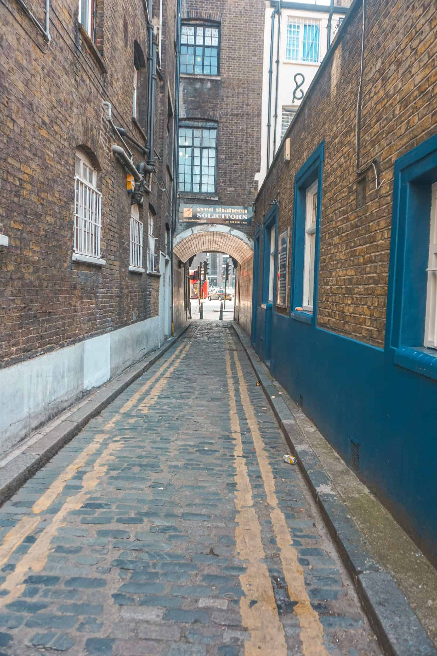 Tunnel-in-Shoreditch
