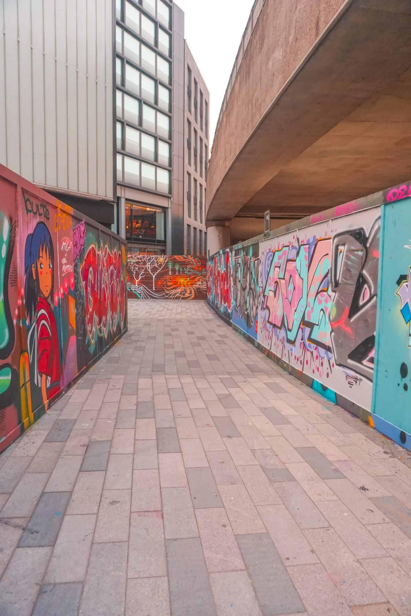Tunnel-of-Shoreditch-Street-Art