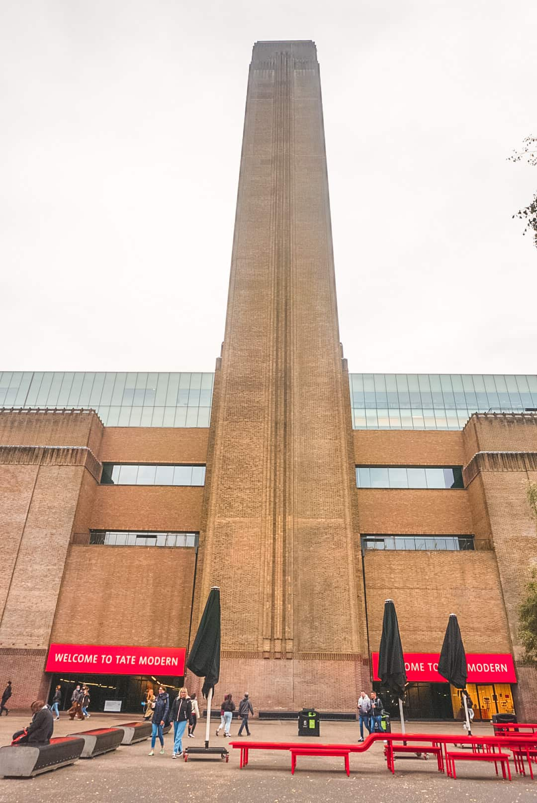 Front-of-Tate-Modern