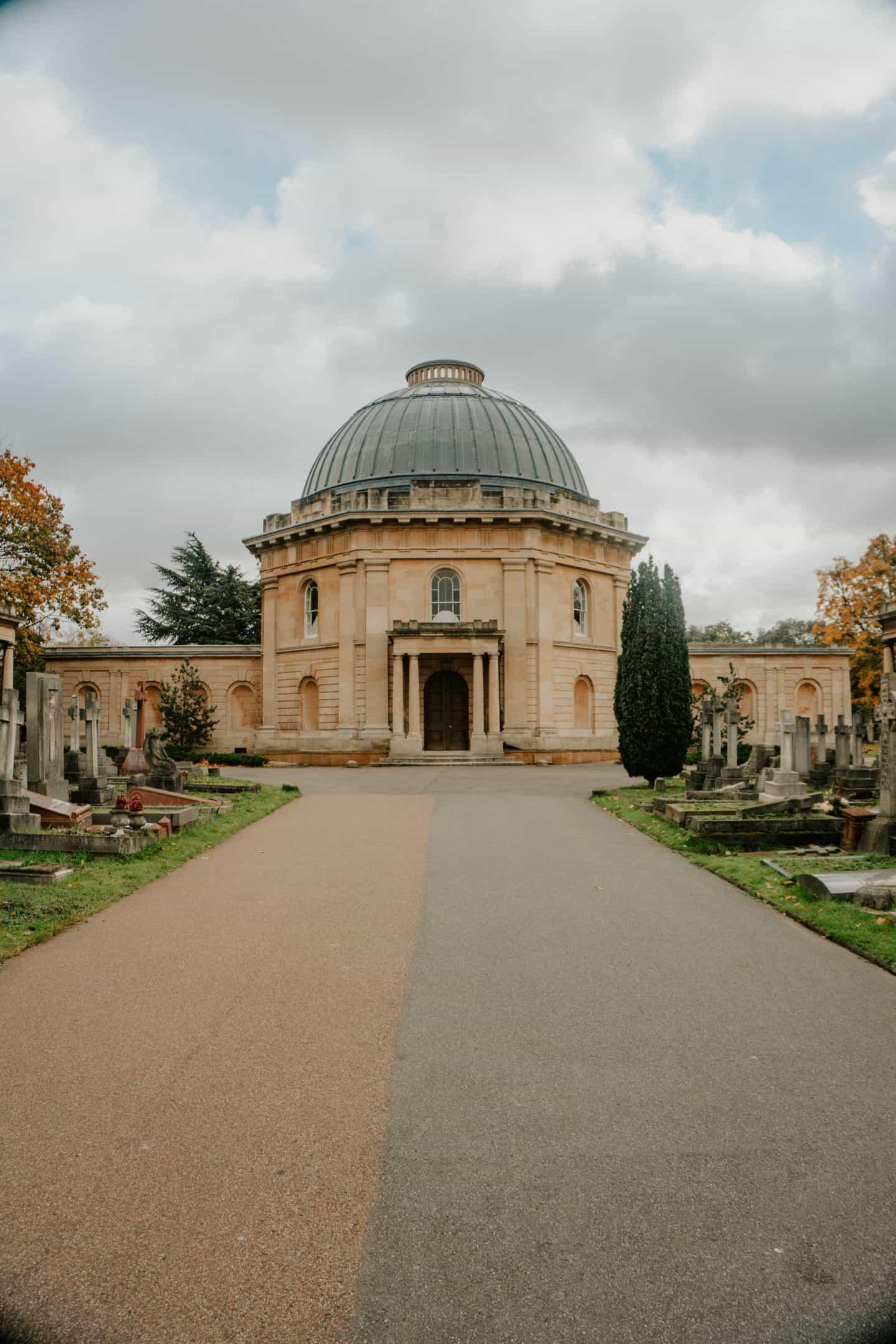 Building Brompton Cemetery London