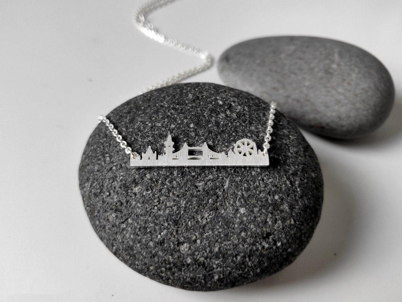 London-skyline-necklace