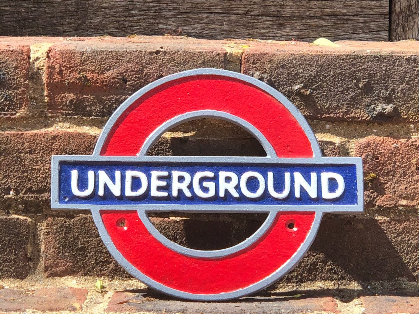 London-gift-ideas-Underground-Plaque-gift-for-him