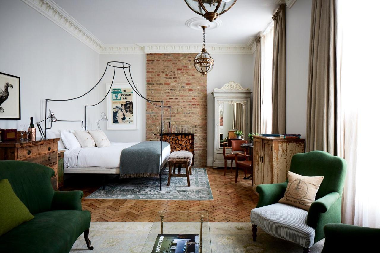 artist-residence-staycation-london